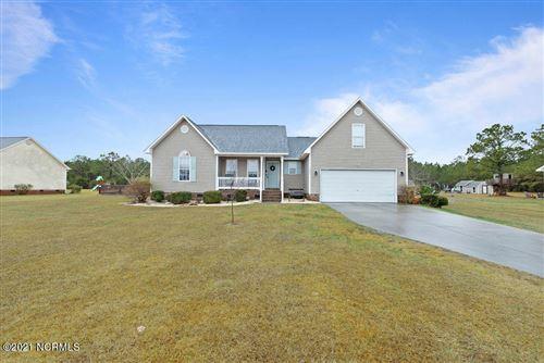 Photo of 327 Oakmont Drive, Hampstead, NC 28443 (MLS # 100257641)