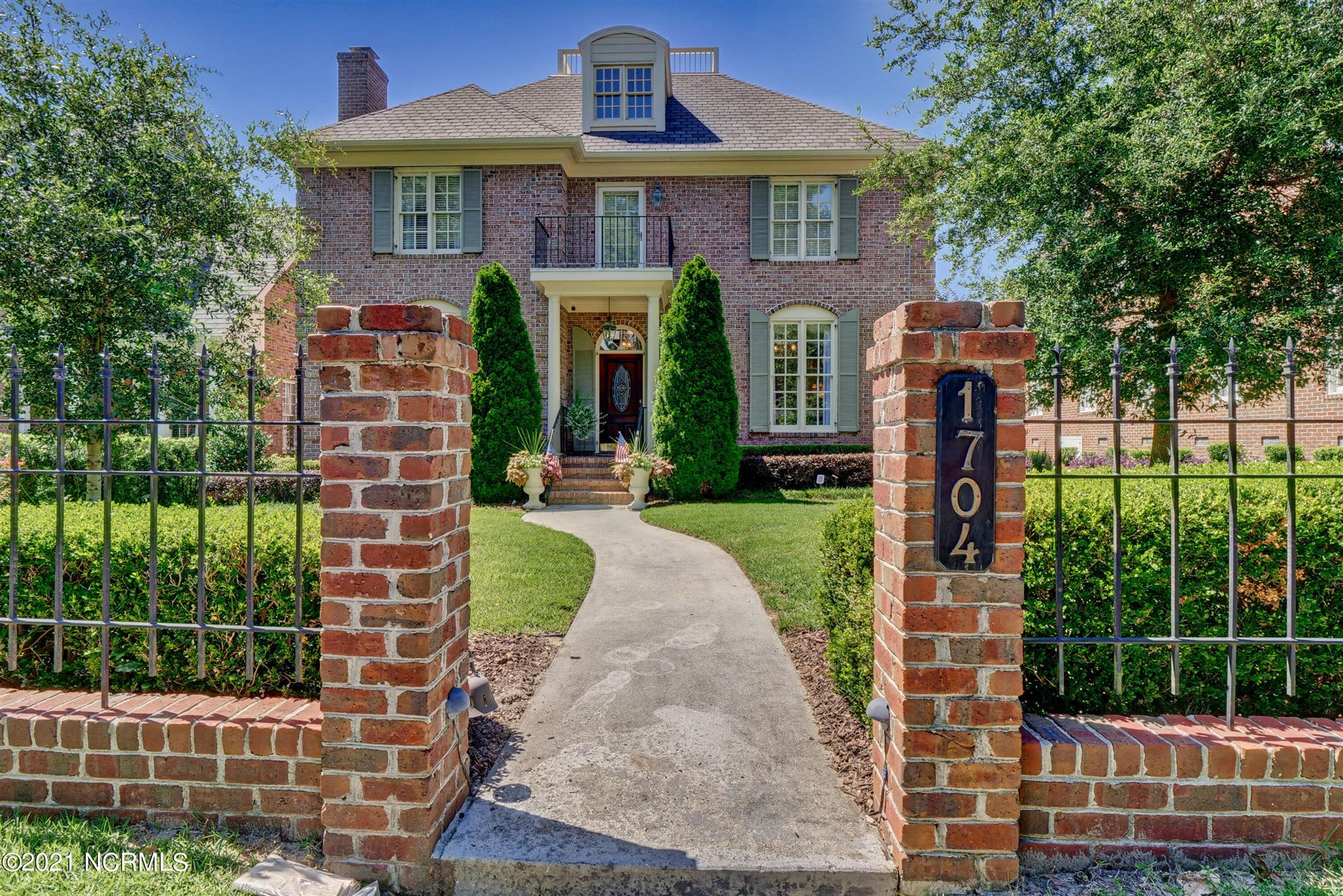 Photo for 1704 Pope Court, Wilmington, NC 28405 (MLS # 100278643)