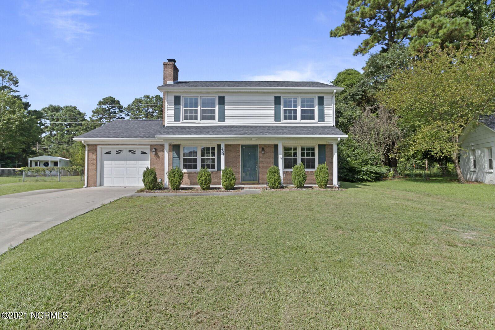 Photo of 301 Greenbriar Drive, Jacksonville, NC 28546 (MLS # 100288656)