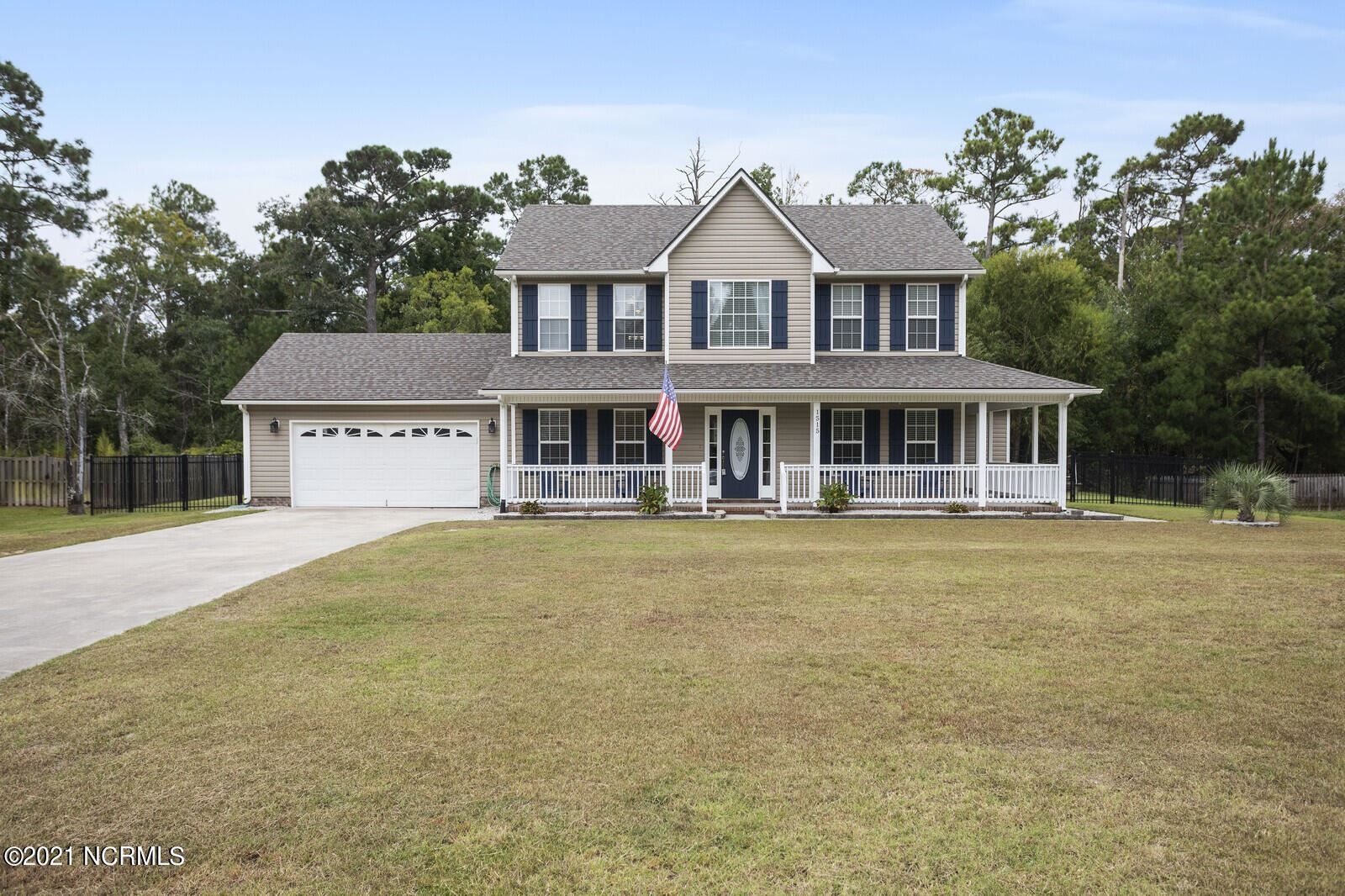 Photo of 1515 Chadwick Shores Drive, Sneads Ferry, NC 28460 (MLS # 100290657)