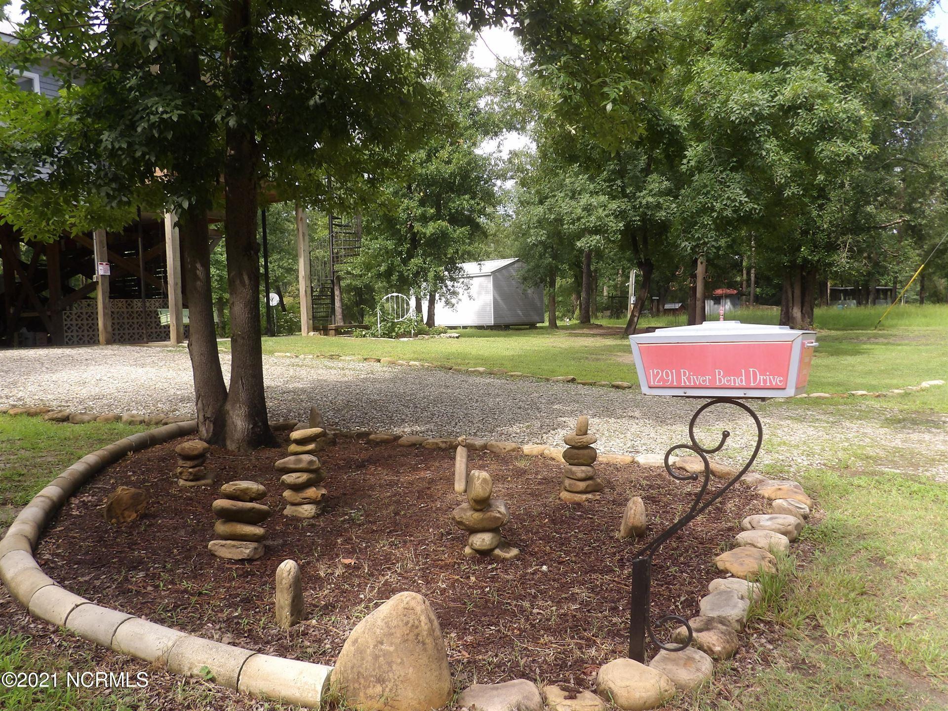 Photo of 1291 Riverbend Drive, Burgaw, NC 28425 (MLS # 100280660)