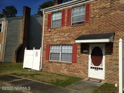 Photo of 310 Myrtlewood Circle, Jacksonville, NC 28546 (MLS # 100225663)