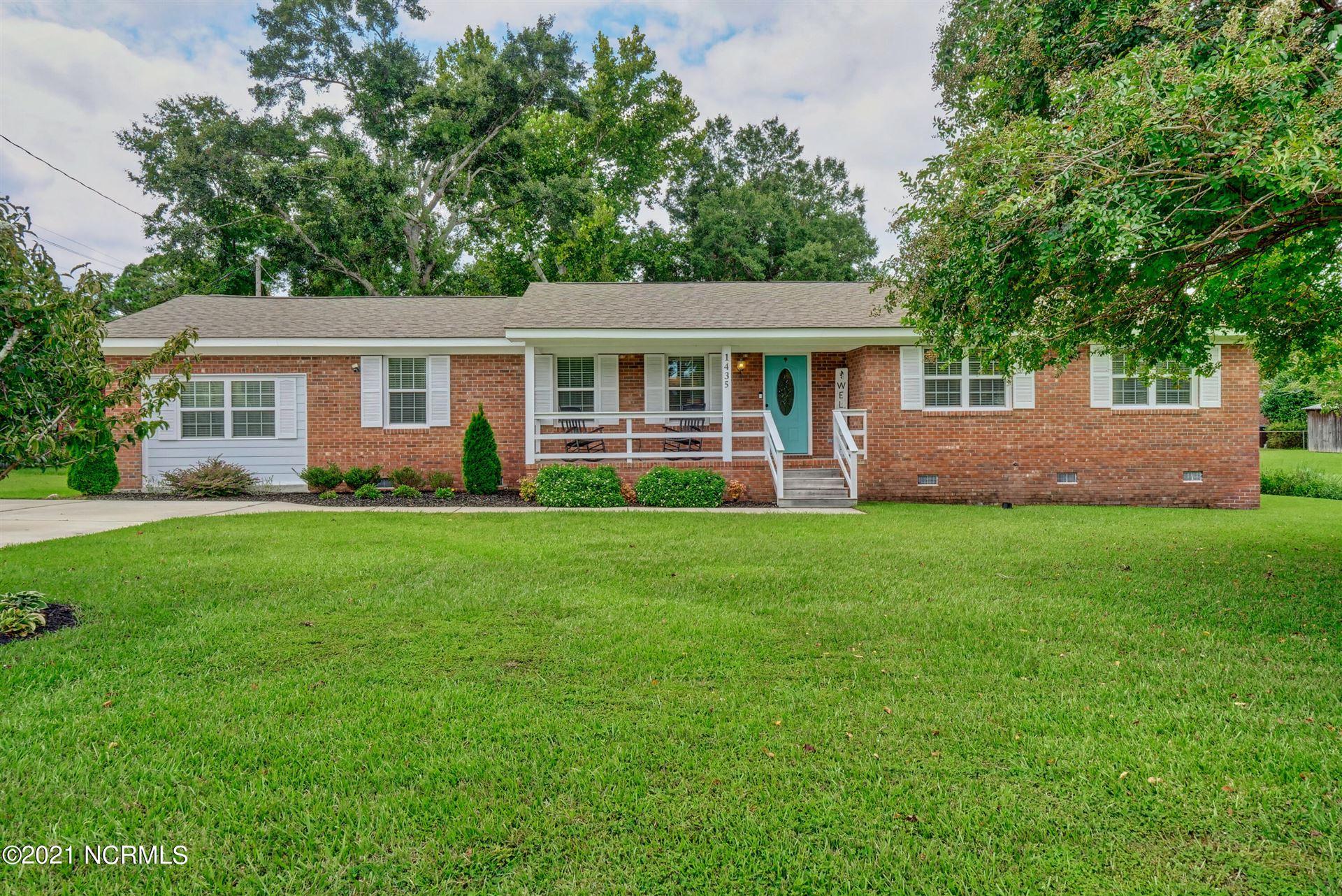 Photo of 1435 Robert E Lee Drive, Wilmington, NC 28412 (MLS # 100289663)