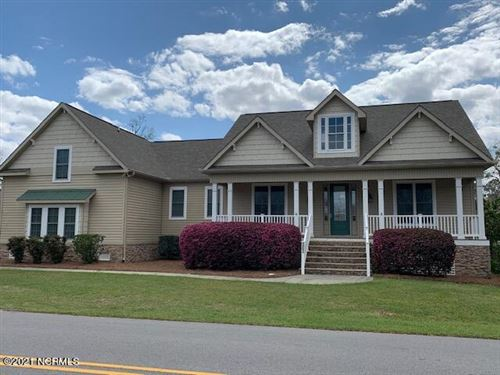 Photo of 303 Batts Hill Road, New Bern, NC 28562 (MLS # 100264669)