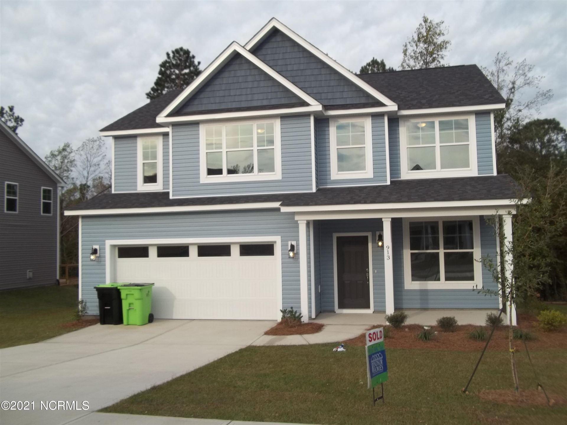 Photo of 913 W Arboria Drive, Hampstead, NC 28443 (MLS # 100284671)