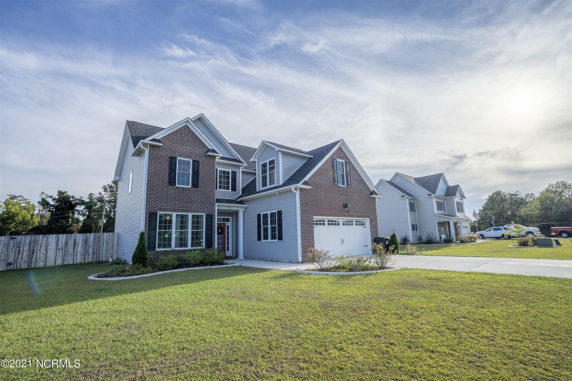 Photo of 102 Ridge Cove Lane, Swansboro, NC 28584 (MLS # 100292674)