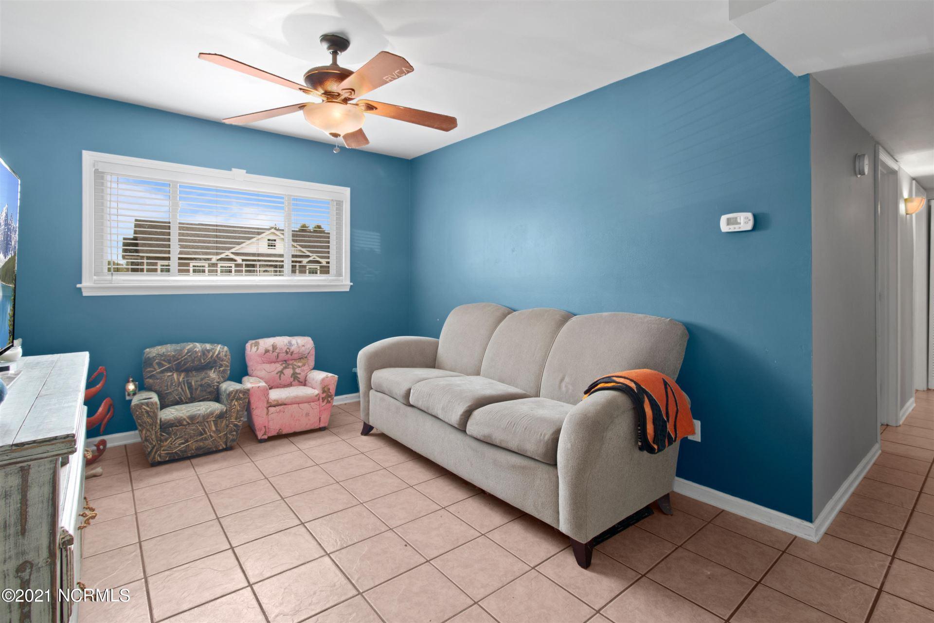 Photo of 32 East Drive, Jacksonville, NC 28546 (MLS # 100283675)