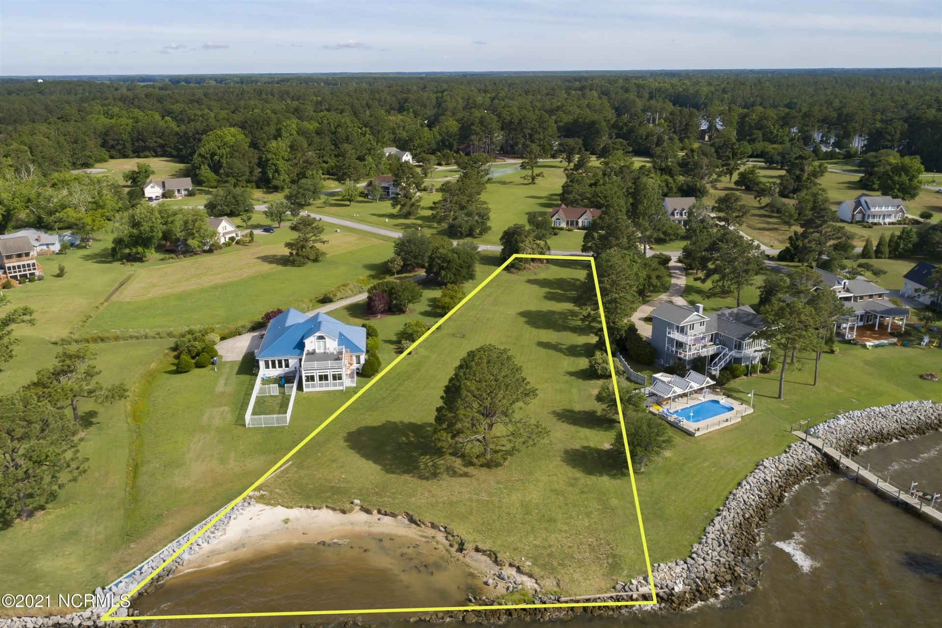 Photo of 6024 Dolphin Road, Oriental, NC 28571 (MLS # 100274678)