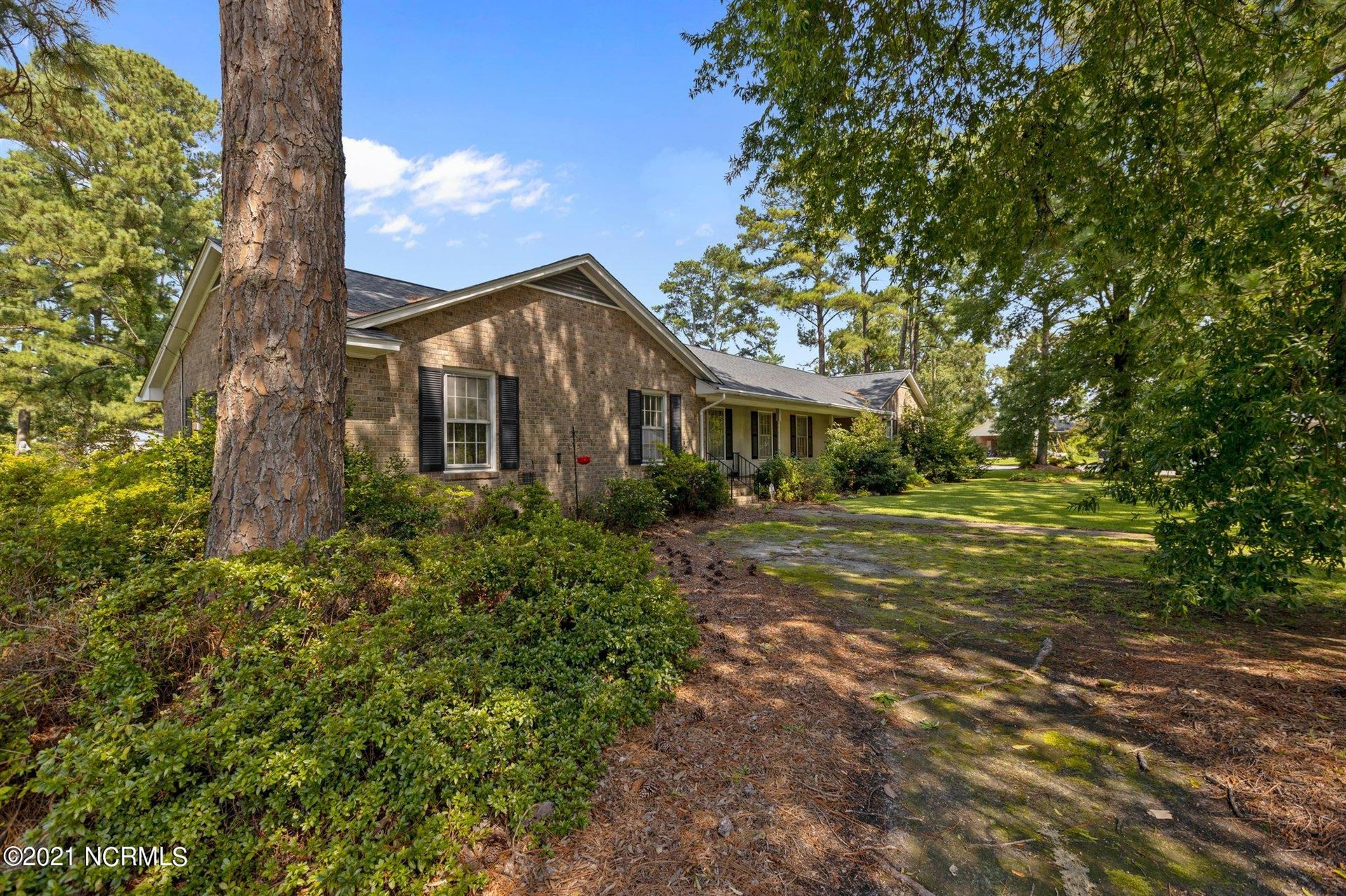 Photo of 1101 Oakview Drive, Greenville, NC 27858 (MLS # 100285682)