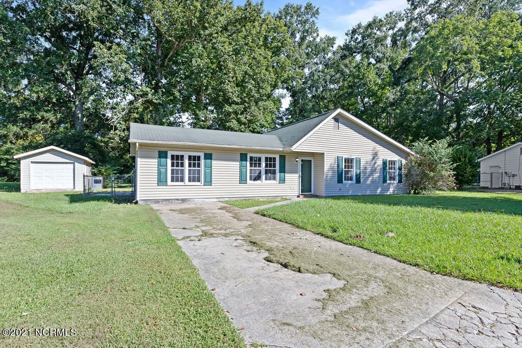 Photo of 307 Kenwood Drive, Jacksonville, NC 28540 (MLS # 100289683)
