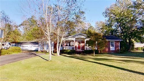 Photo of 504 S Bickett Street, Burgaw, NC 28425 (MLS # 100246689)