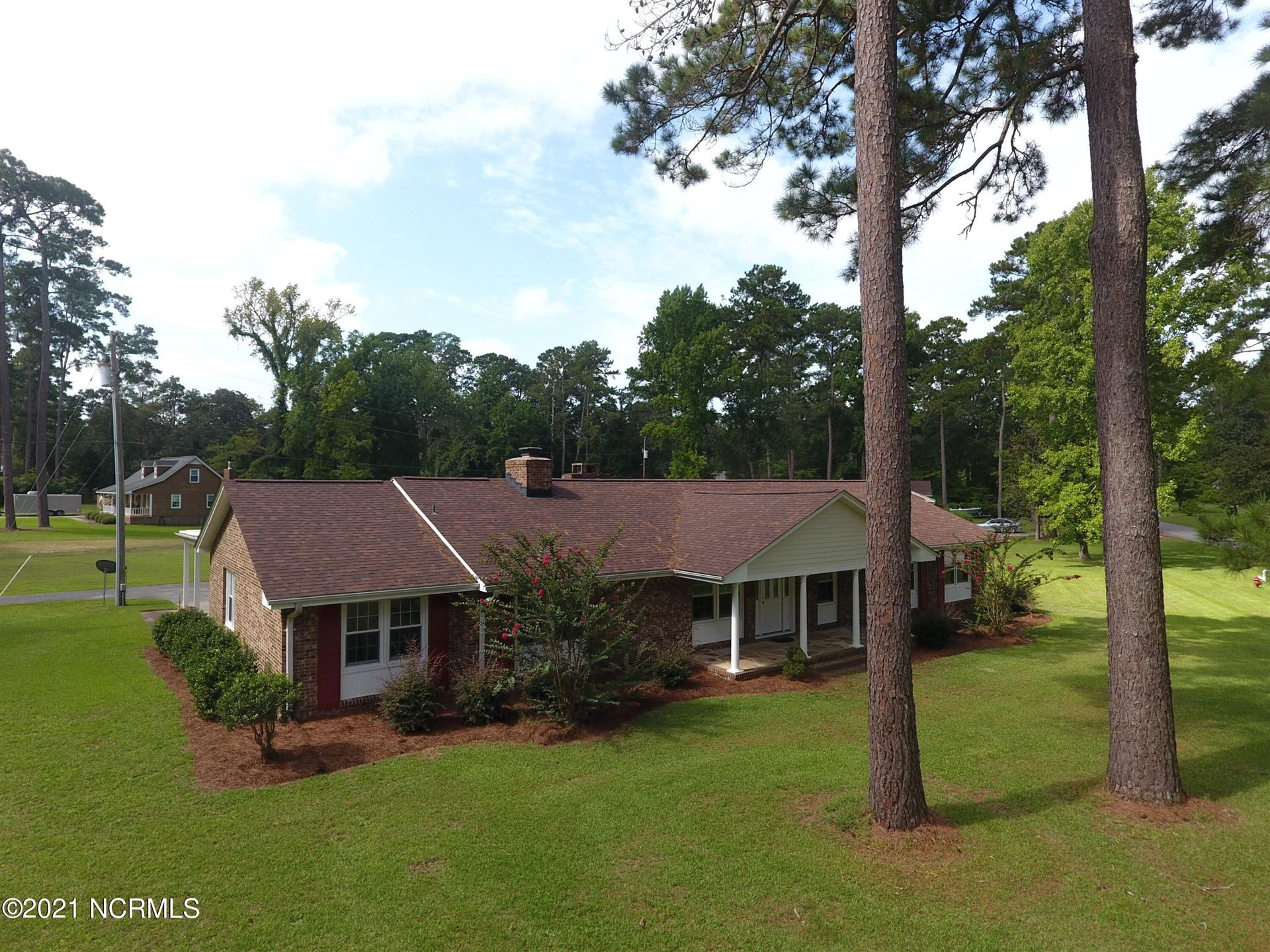 Photo of 5101 Pinetree Lane, Trent Woods, NC 28562 (MLS # 100288689)