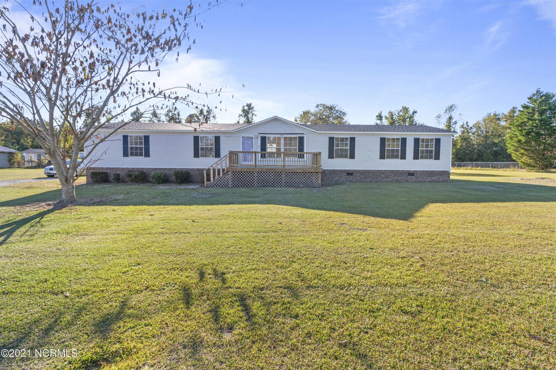 Photo of 672 Emmett Lane, Maysville, NC 28555 (MLS # 100294697)