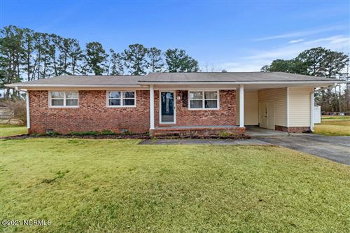 Photo of 8 Oxford Drive, Jacksonville, NC 28546 (MLS # 100257701)