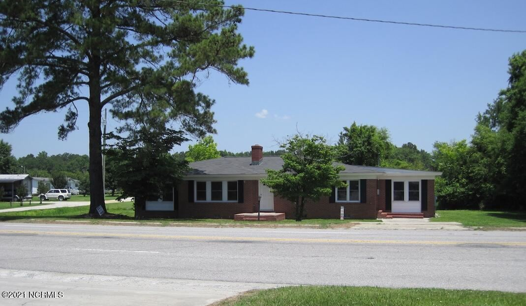 Photo of 6352 S Nc Hwy 41 Highway, Wallace, NC 28466 (MLS # 100286701)