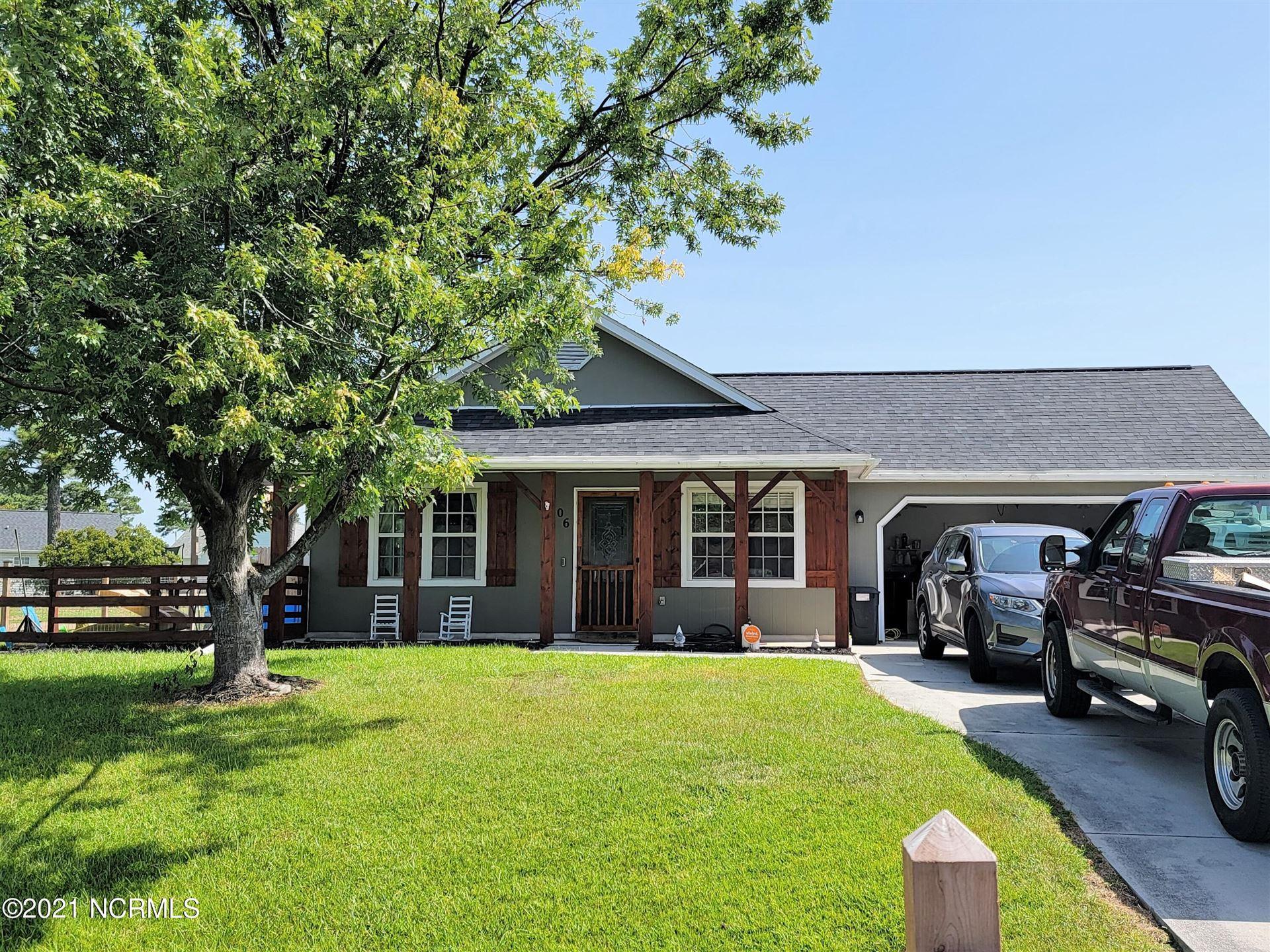 Photo of 106 Glenwood Drive, Hubert, NC 28539 (MLS # 100288701)