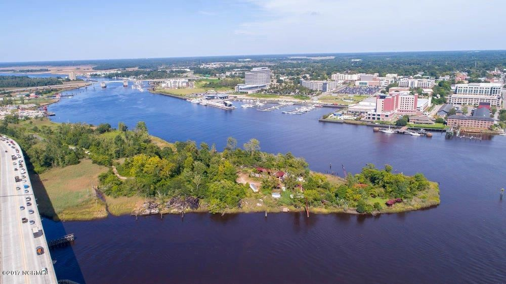 Photo of 1 Point Habor Road, Wilmington, NC 28401 (MLS # 20678714)