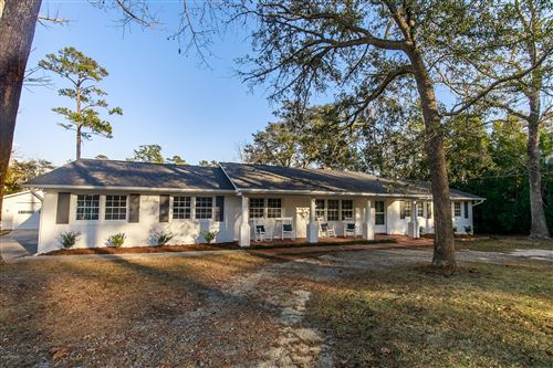 Photo of 362 Shore Point Drive, Wilmington, NC 28411 (MLS # 100197720)