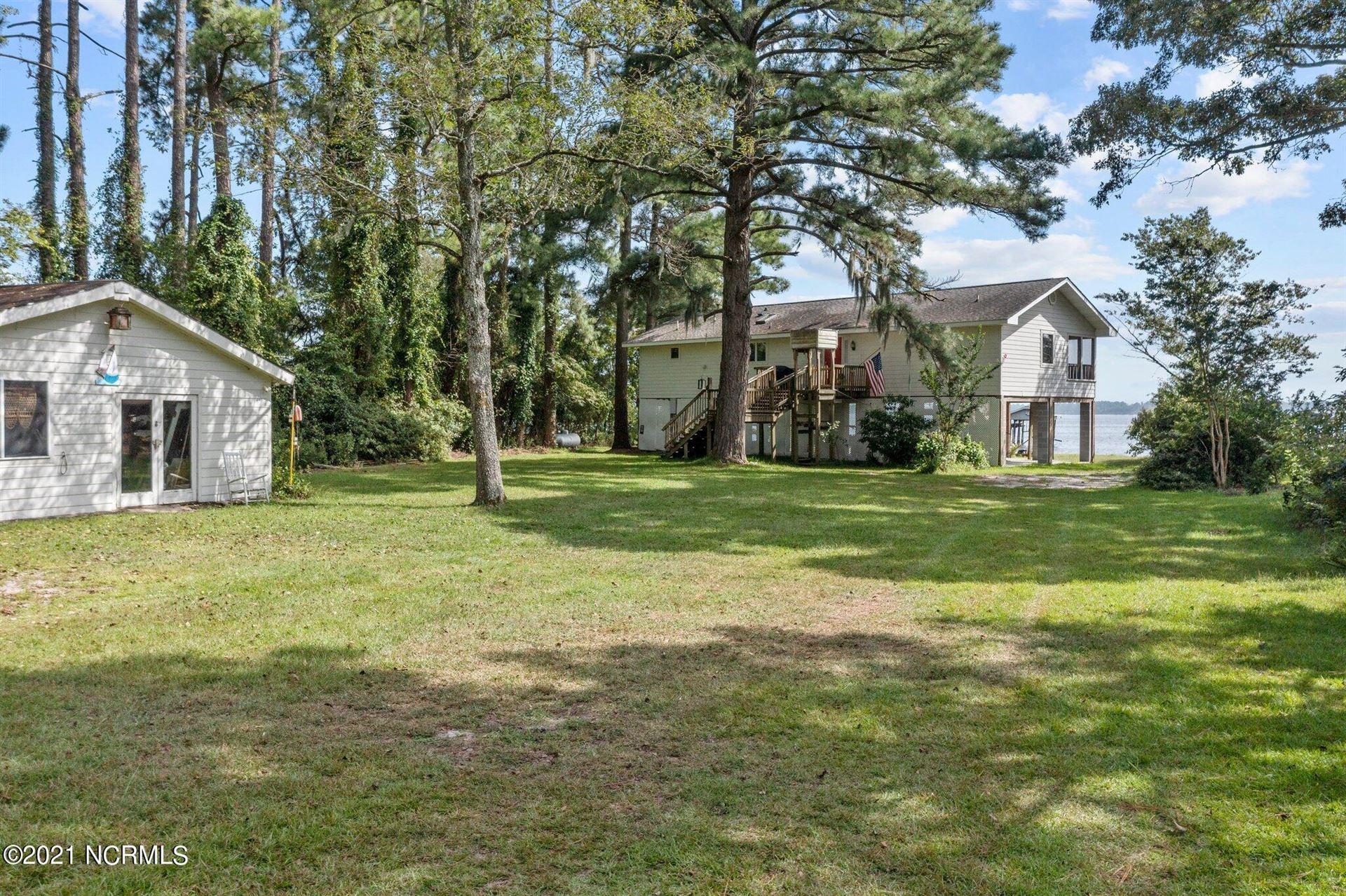 Photo of 115 Goose Creek Drive, Washington, NC 27889 (MLS # 100286720)