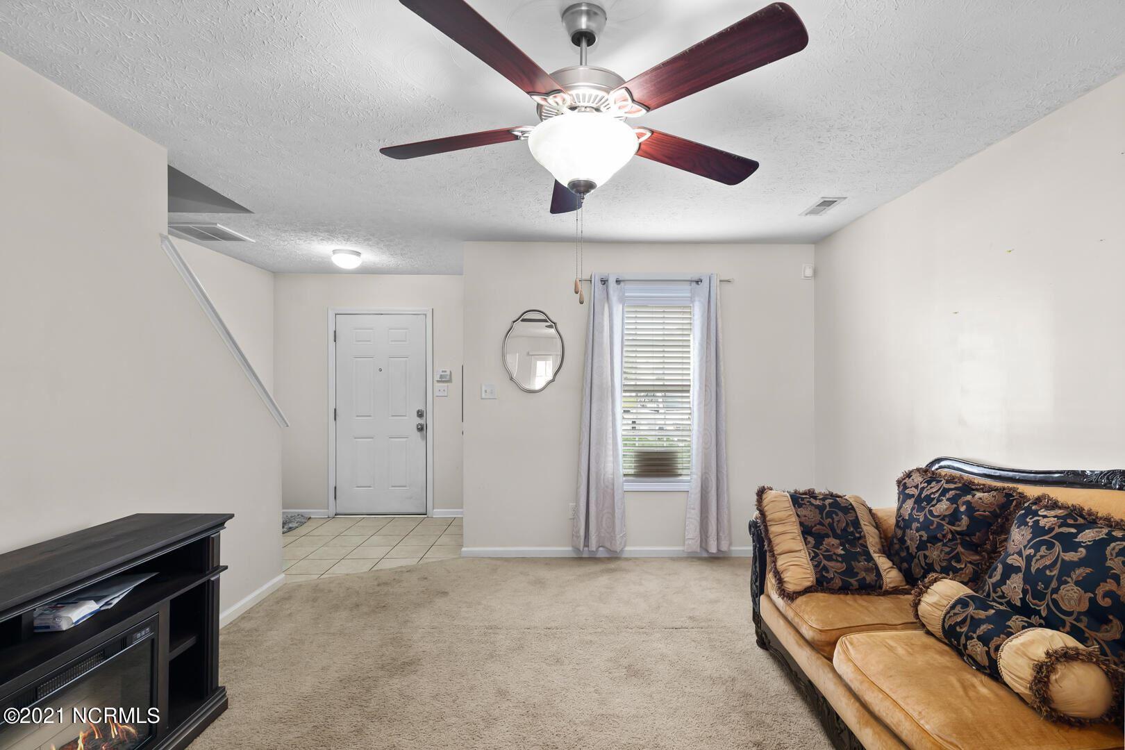 Photo of 419 Falls Cove, Jacksonville, NC 28546 (MLS # 100293720)