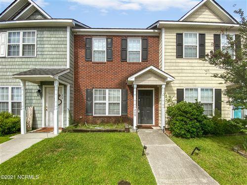 Photo of 208 Springwood Drive, Jacksonville, NC 28546 (MLS # 100275723)