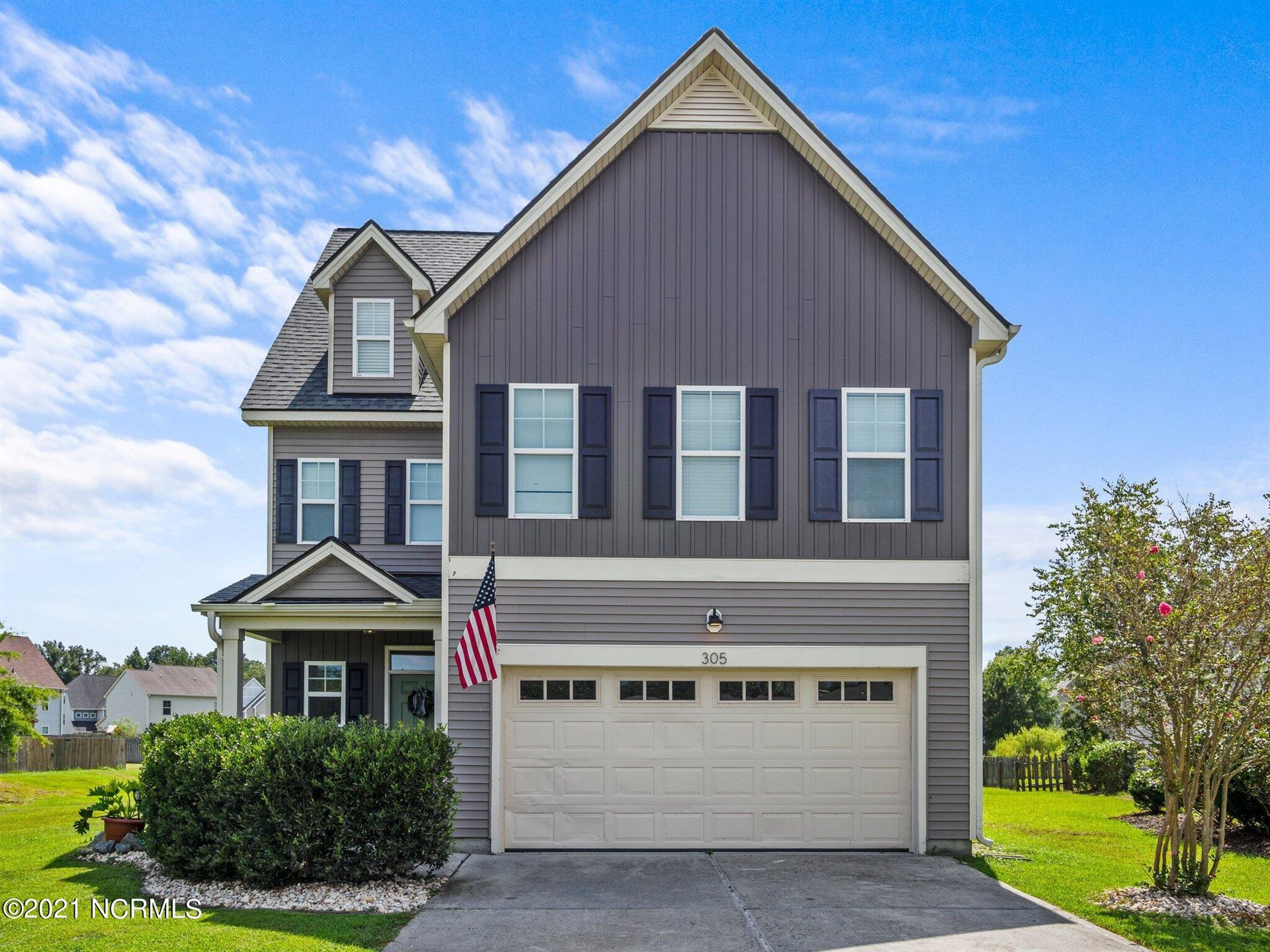 Photo of 305 Pebble Shore Drive, Sneads Ferry, NC 28460 (MLS # 100288723)