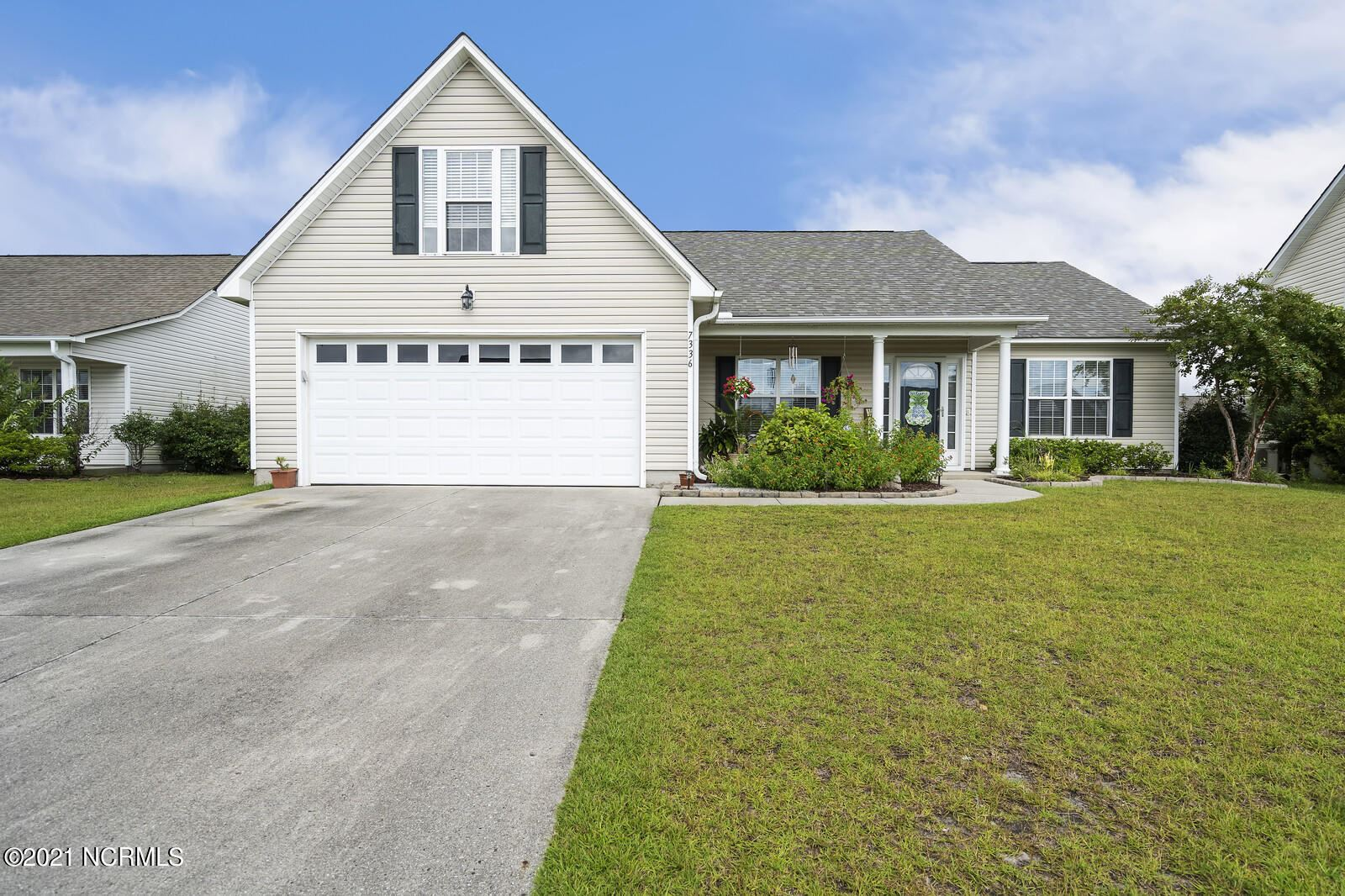 Photo for 7336 Walking Horse Court, Wilmington, NC 28411 (MLS # 100285725)