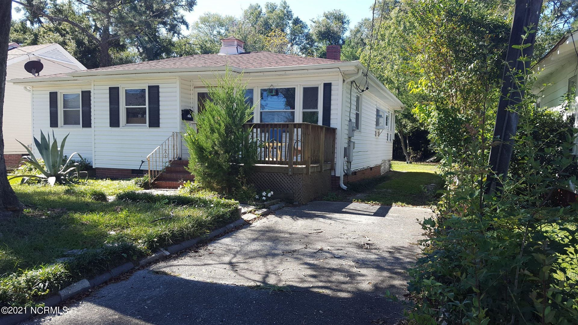 Photo of 2044 Jefferson Street, Wilmington, NC 28401 (MLS # 100295741)