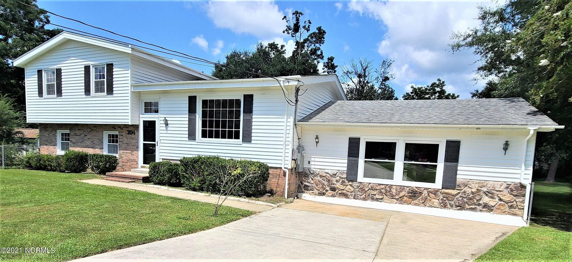 Photo of 204 Jupiter Court, Jacksonville, NC 28546 (MLS # 100287742)