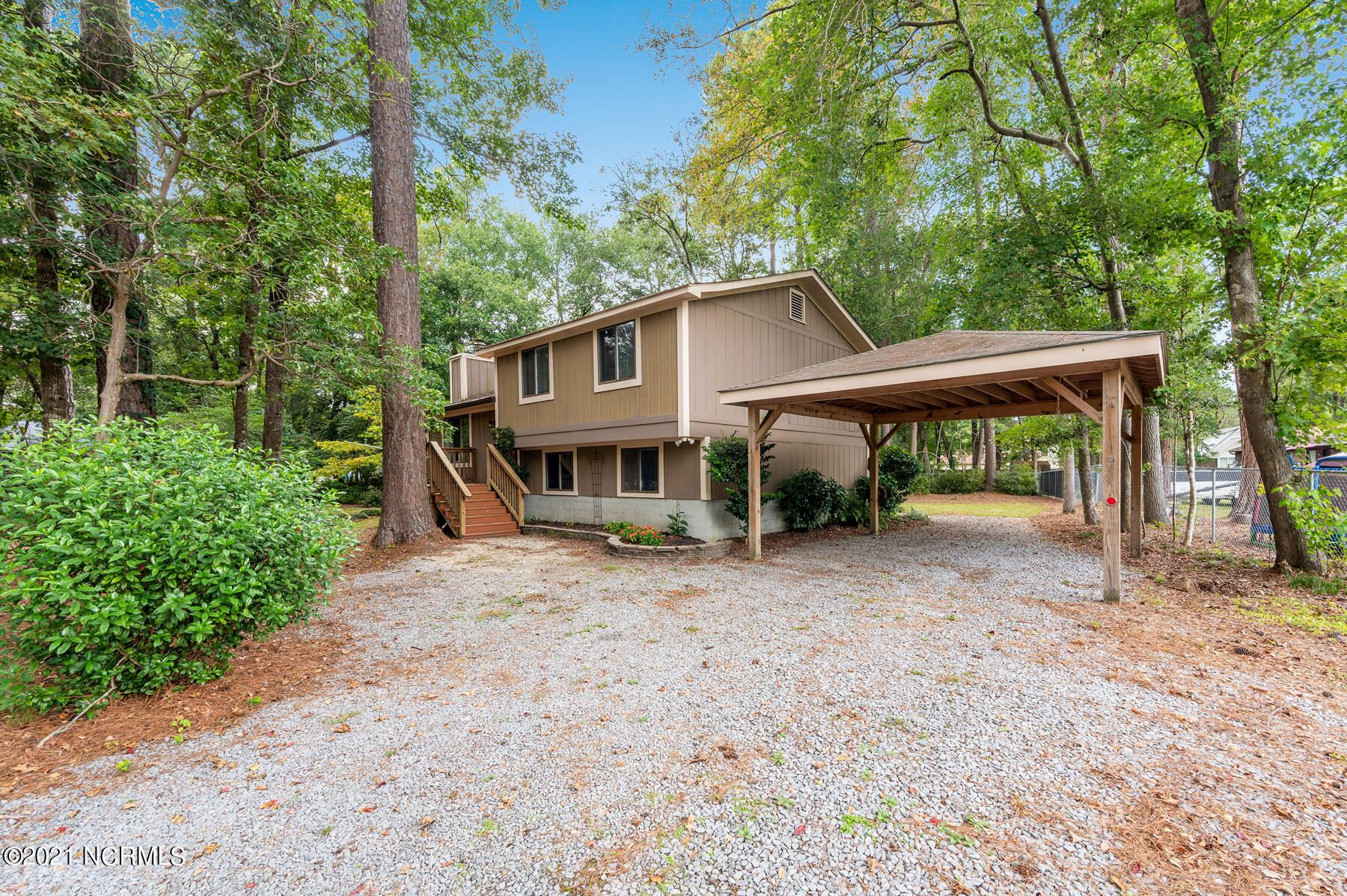 Photo of 1546 Candlewick Drive, Greenville, NC 27834 (MLS # 100289743)