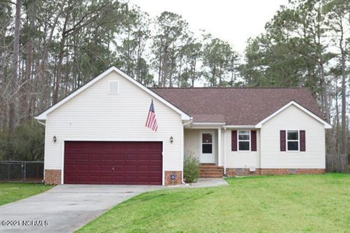 Photo of 828 Wood Creek Drive, Hubert, NC 28539 (MLS # 100259744)