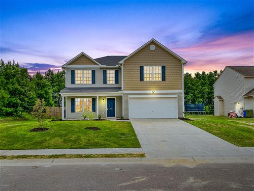 Photo of 206 Groveshire Place, Richlands, NC 28574 (MLS # 100224745)