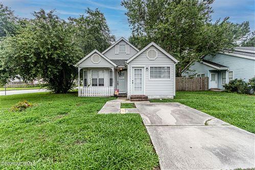 Photo of 3001 Foxhorn Road, Jacksonville, NC 28546 (MLS # 100275746)