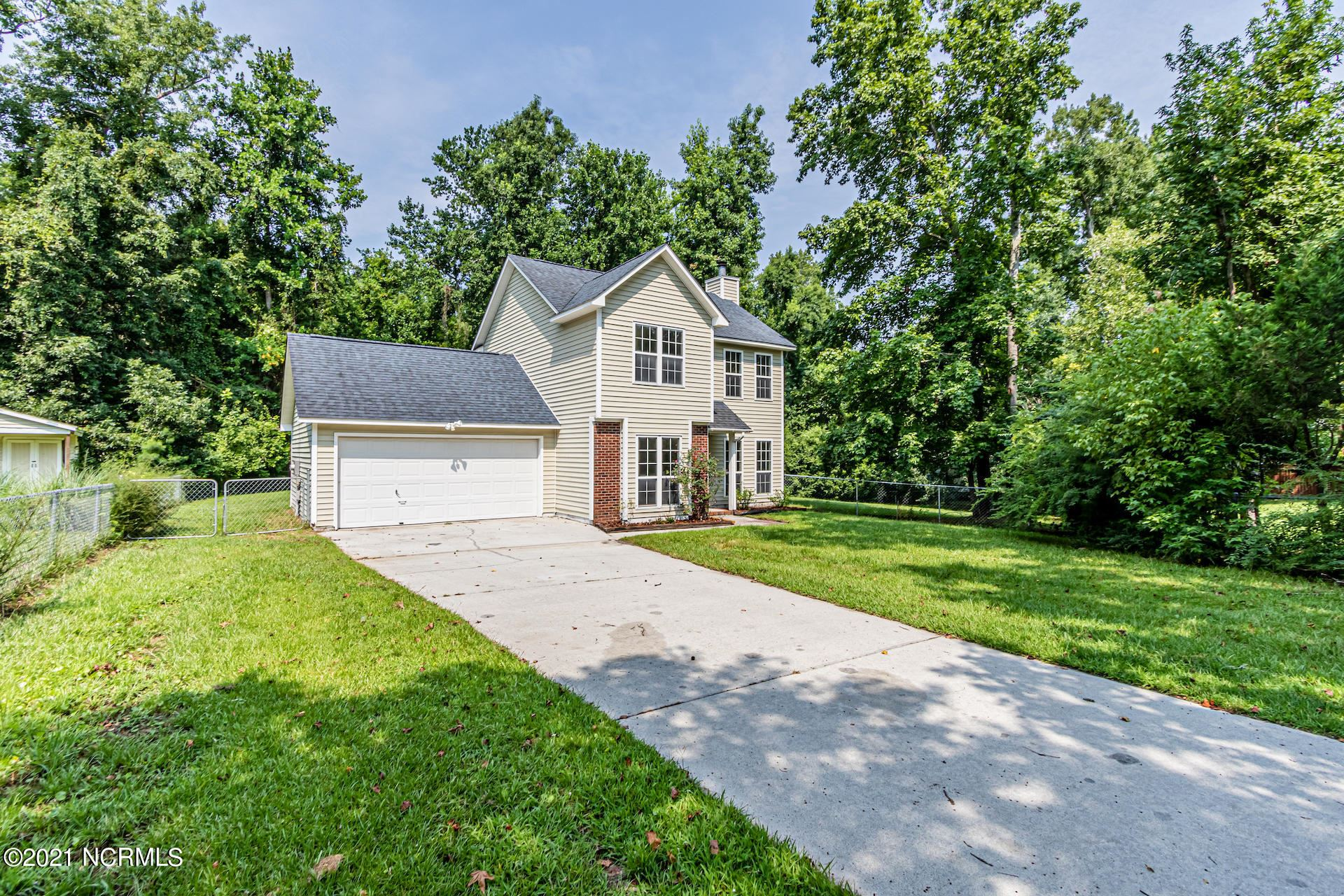 Photo for 111 Sweetwater Drive, Jacksonville, NC 28540 (MLS # 100283747)