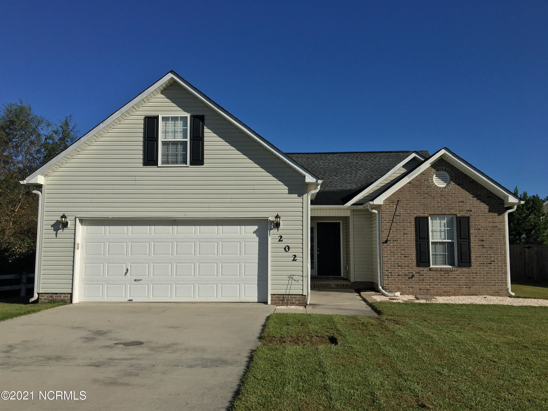 Photo of 202 Brunswick Drive, Jacksonville, NC 28546 (MLS # 100277750)