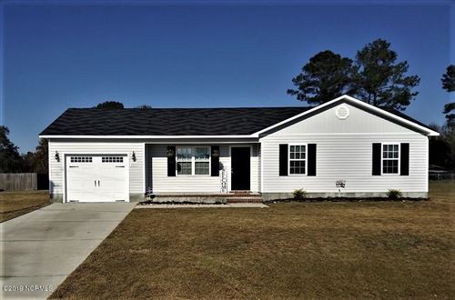 Photo of 203 Wingspread Lane, Beulaville, NC 28518 (MLS # 100195755)
