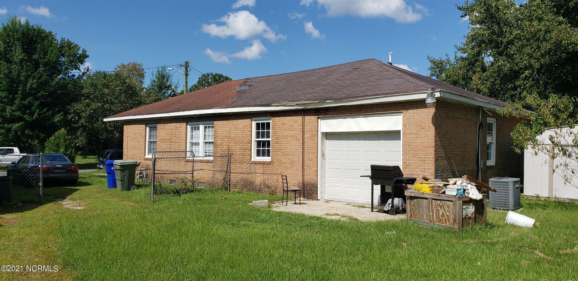Photo of 712 Vanderbilt Lane, Greenville, NC 27834 (MLS # 100288755)