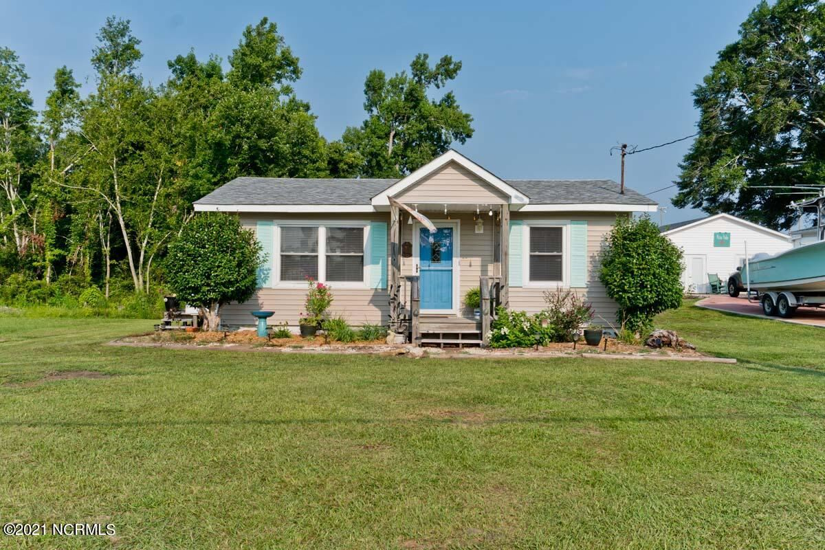 Photo for 243 Old Highway 58, Cedar Point, NC 28584 (MLS # 100282772)