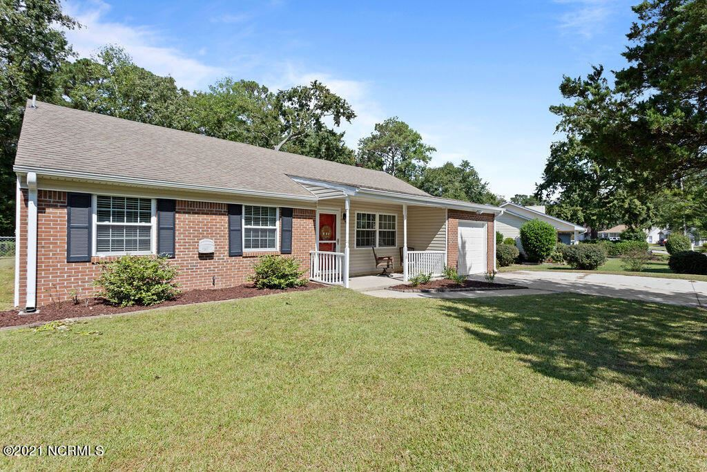 Photo of 118 Spring Drive, Jacksonville, NC 28540 (MLS # 100293774)
