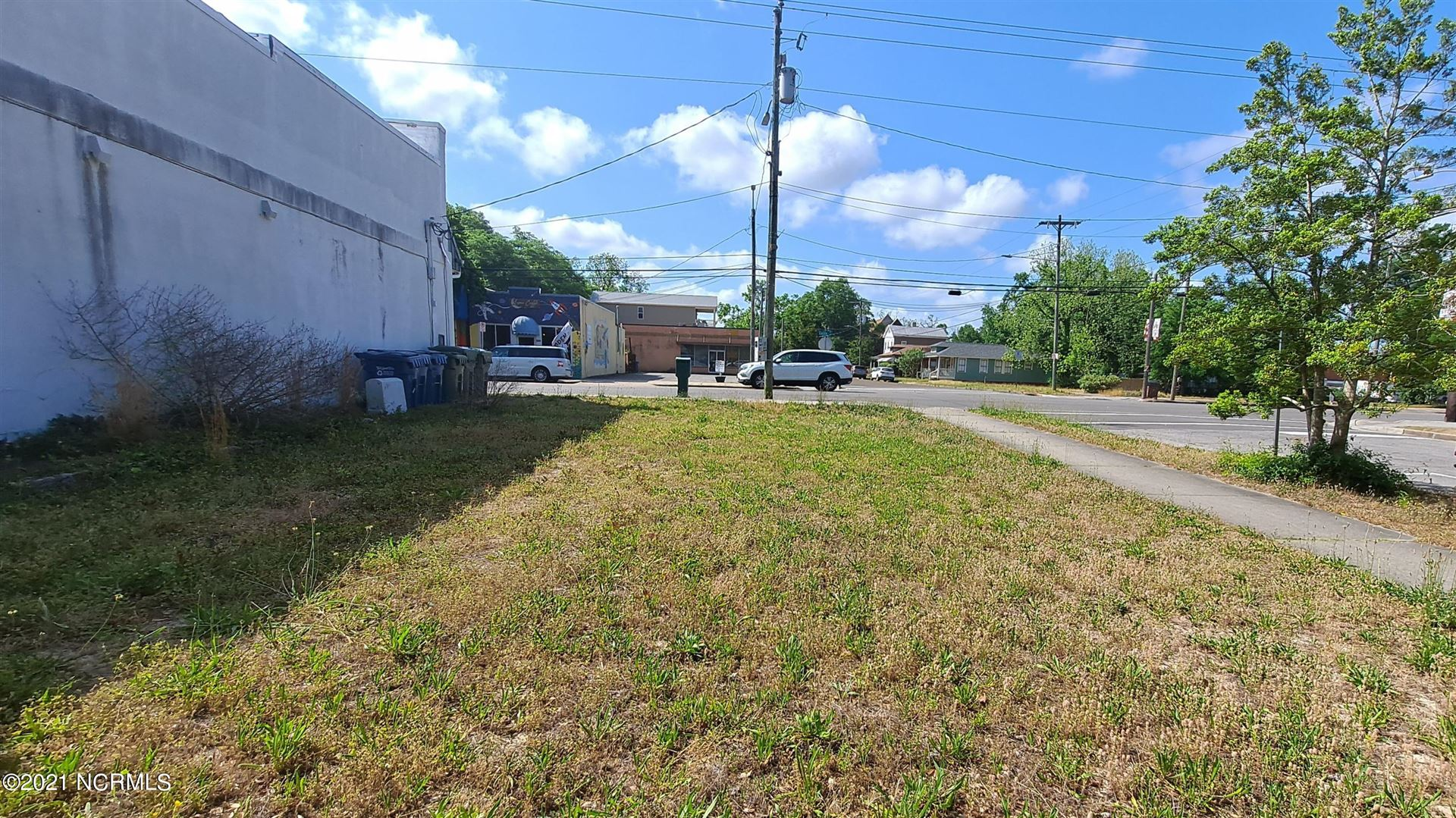 Photo of 601 Castle Street, Wilmington, NC 28401 (MLS # 100268803)