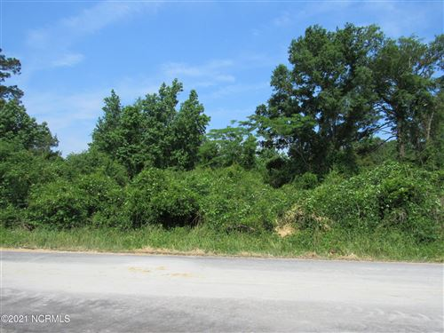 Photo of 142 Barbour Road, Hubert, NC 28539 (MLS # 100273807)