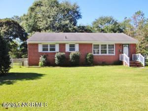 Photo of 105 Summersill Drive, Jacksonville, NC 28540 (MLS # 100268811)