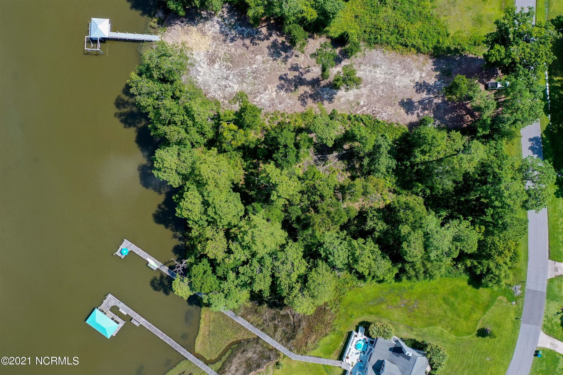 Photo of 407 Chadwick Shores Drive, Sneads Ferry, NC 28460 (MLS # 100284822)