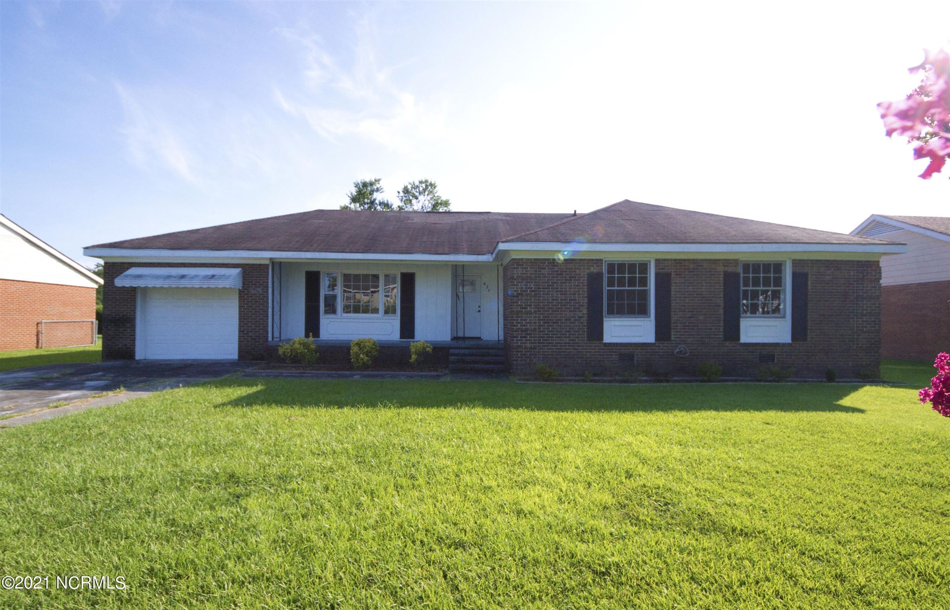 Photo of 627 Winchester Road, Jacksonville, NC 28546 (MLS # 100287824)