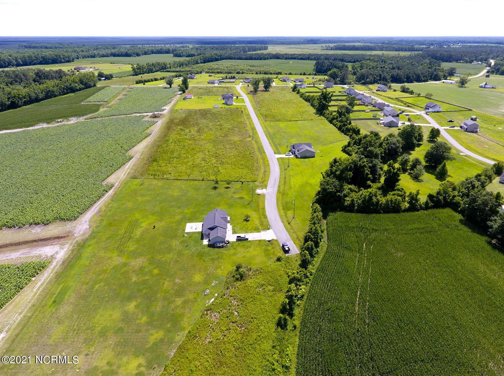 Photo for 100 Adams Landing Way, Maysville, NC 28555 (MLS # 100278829)