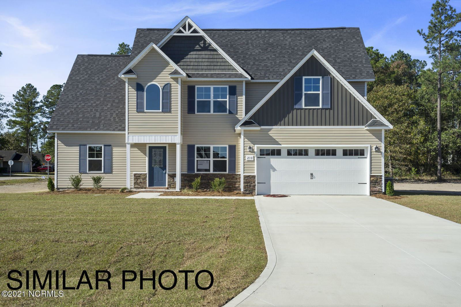 Photo for 103 Easton Drive, Richlands, NC 28574 (MLS # 100253837)