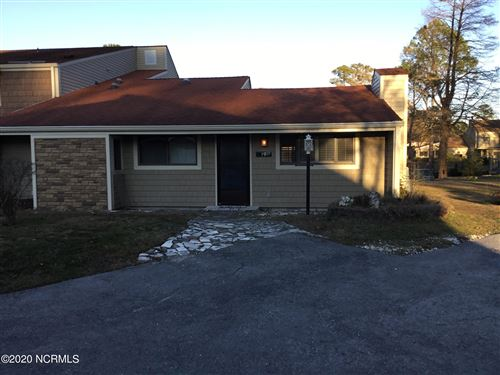 Photo of 19 Quarterdeck Townes, New Bern, NC 28562 (MLS # 100238838)