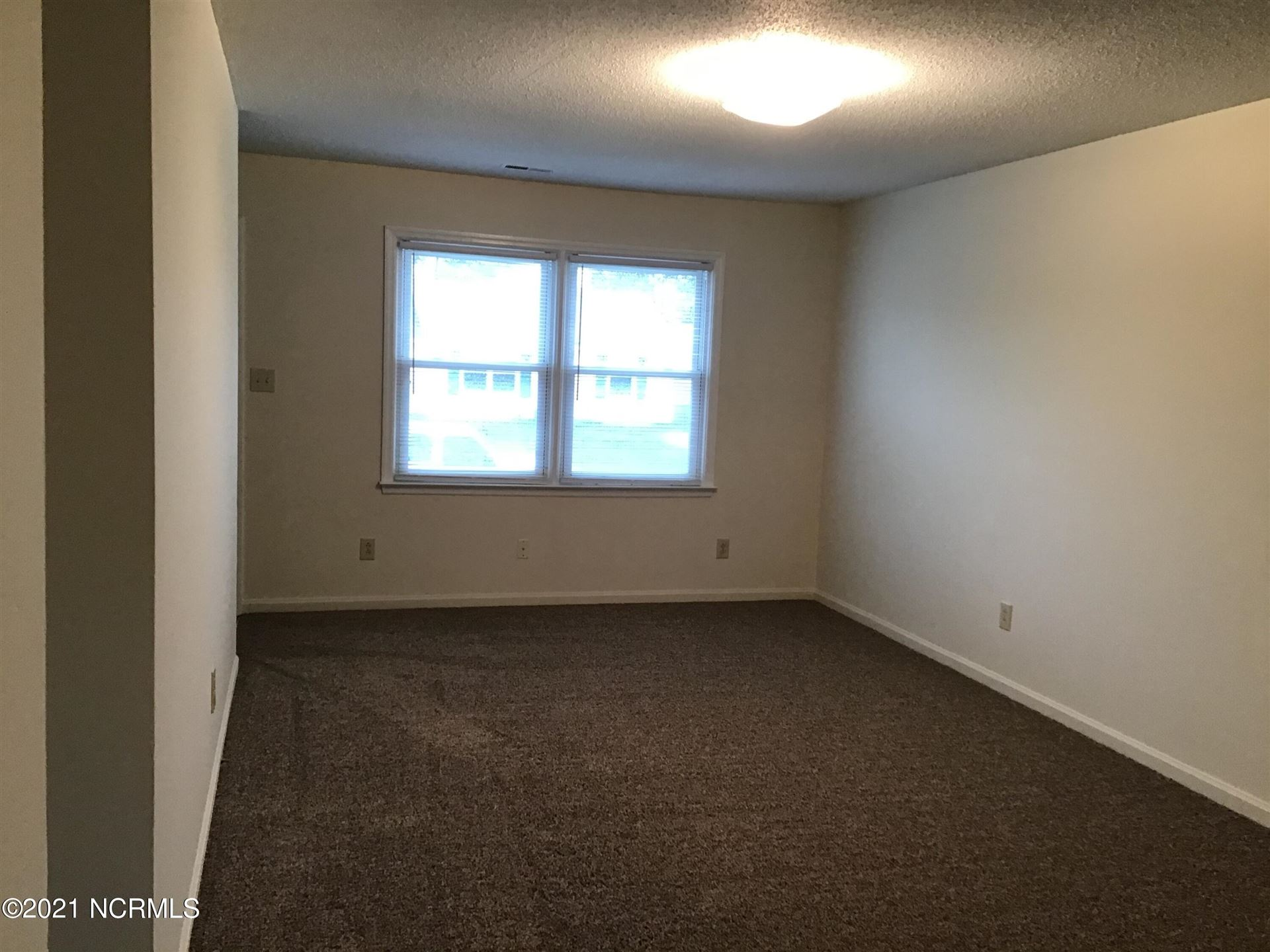 Photo of 211 Appaloosa Drive, Jacksonville, NC 28540 (MLS # 100294839)