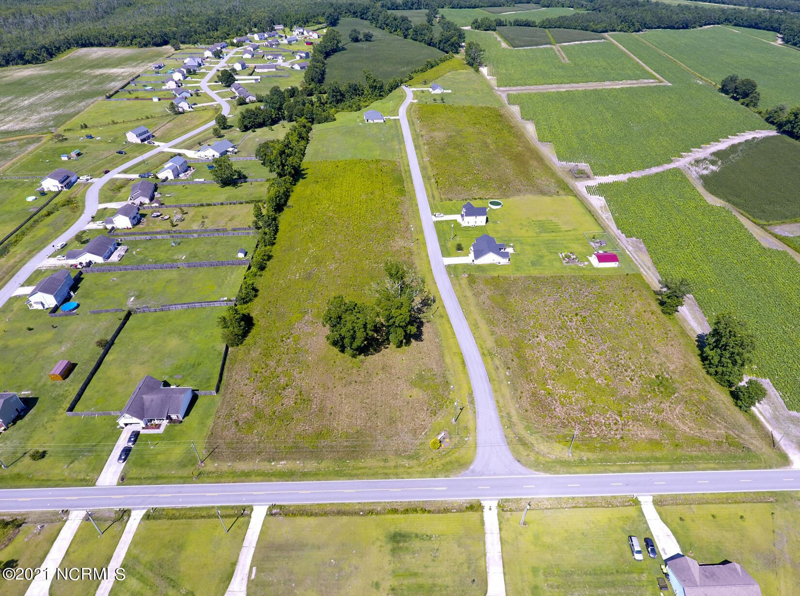 Photo for 109 Adams Landing Way, Maysville, NC 28555 (MLS # 100278841)
