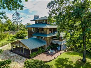 Photo of 412 Lakeview Drive, Hampstead, NC 28443 (MLS # 100151849)